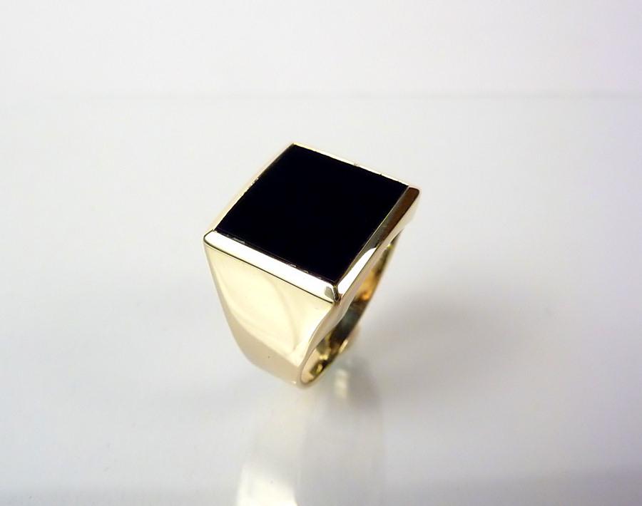 klassischer herren goldring onyx wappen siegelring 14kt. Black Bedroom Furniture Sets. Home Design Ideas